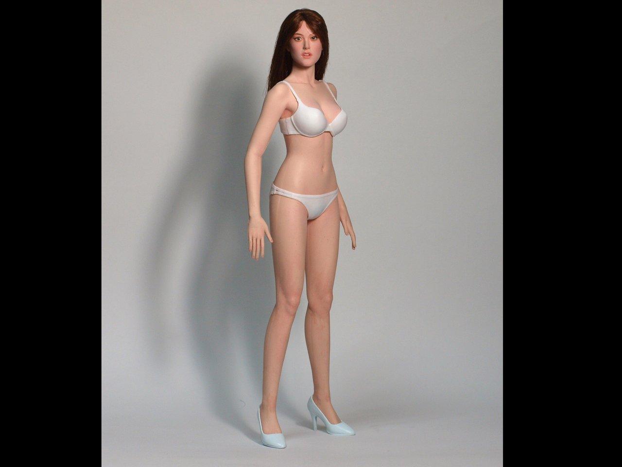[Lançamento] Edaction -  1/6 scale Seamless Female Body 172758tn8zaauuyj9zbig9