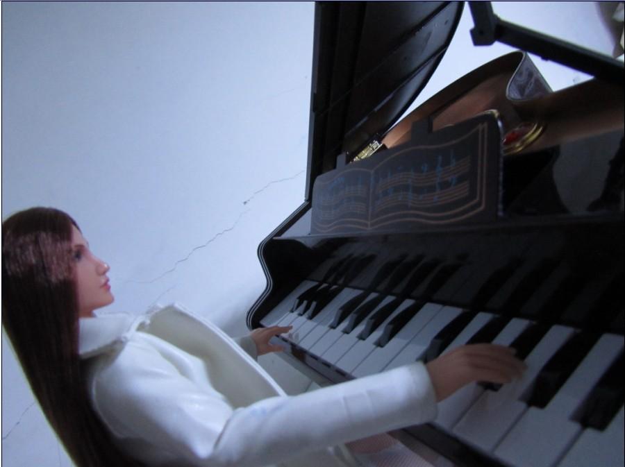 美女给你弹钢琴 附送家里宝贝储藏地方