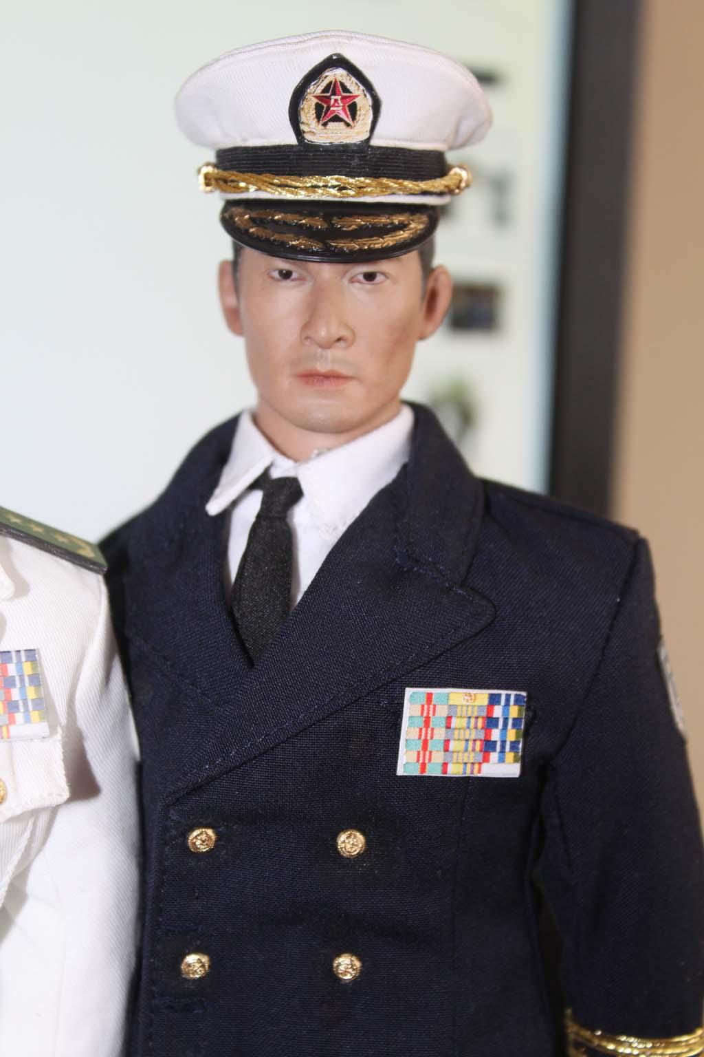 论坛首发07式海军全白春秋常服和藏青常服兵人在线图片