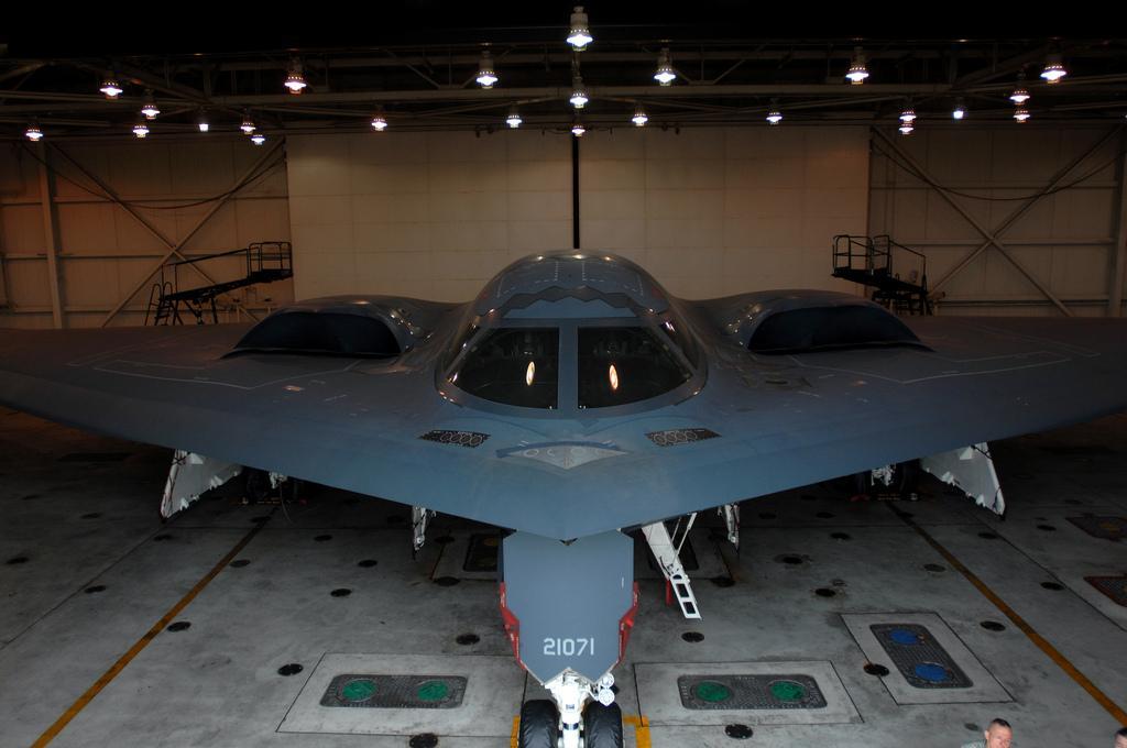 """美军怀特曼空军基地 :B-2""""幽灵"""".jpg"""