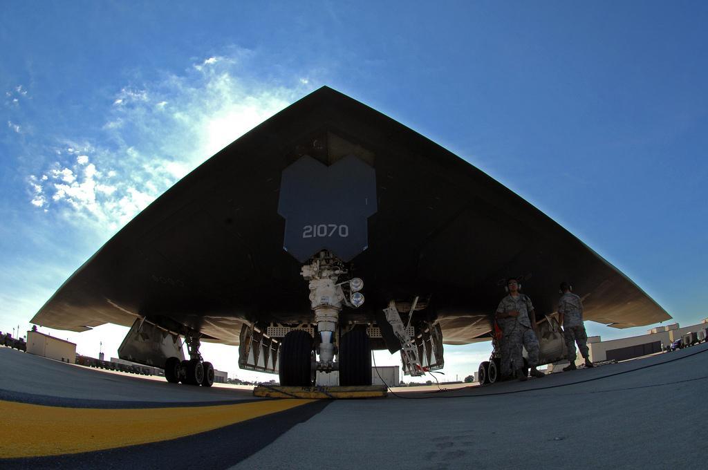 """美军怀特曼空军基地 :B-2""""幽灵"""" (2).jpg"""
