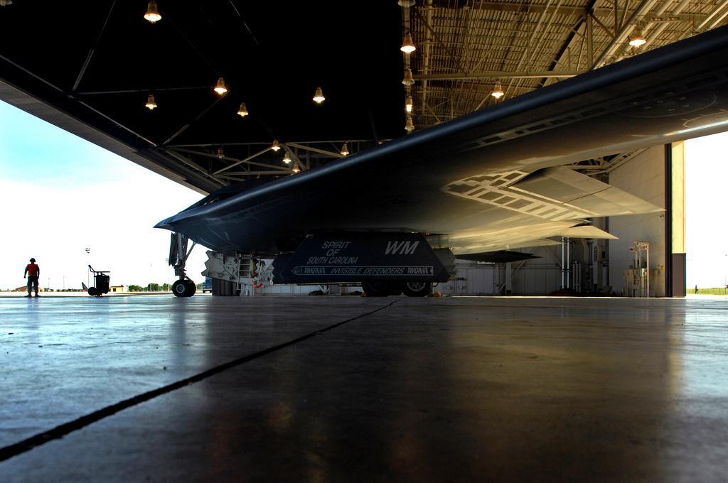 """美军怀特曼空军基地 :B-2""""幽灵"""" (1).jpg"""