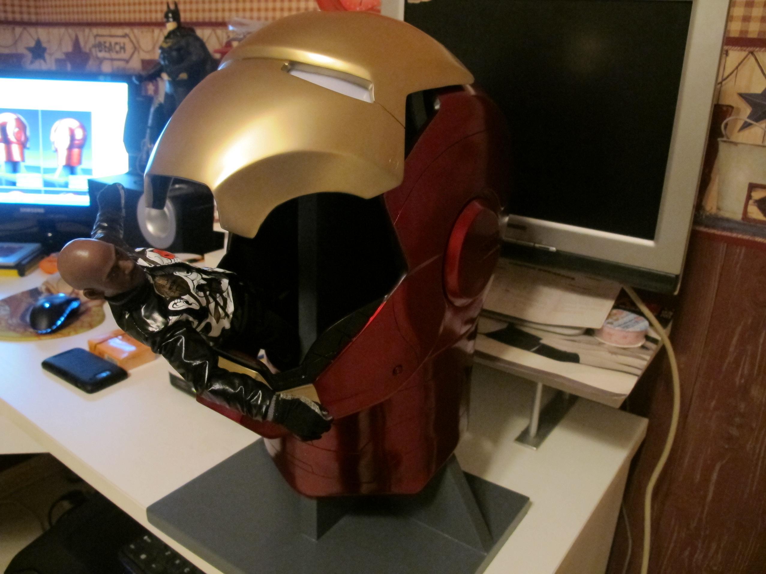 1钢铁侠头盔兵人在线