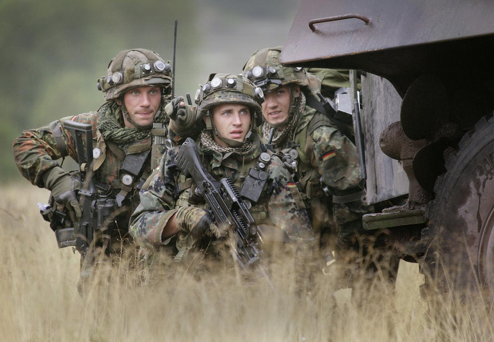 江山风雨情:联邦德国国防军